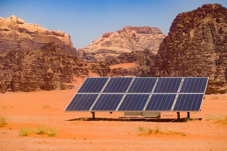 دراسة: الشركات بالأردن تساهم بـ 1 % في التوظيف بقطاع الطاقة المتجدّدة