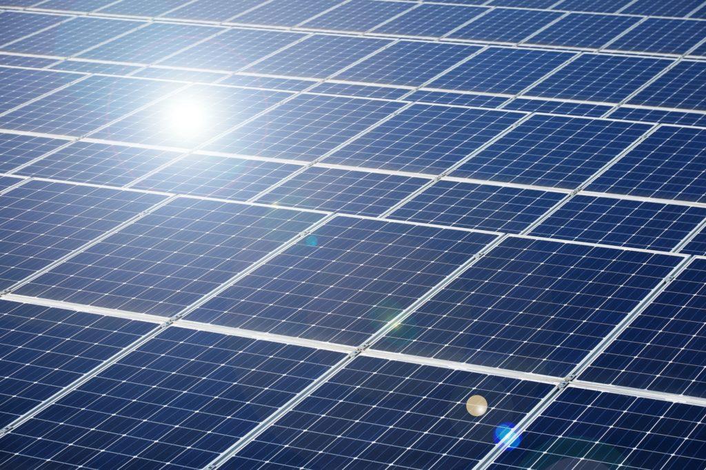 نمو السعة المركبة للطاقة الشمسية الكهروضوئية عالميا بحوالي 80 ضعفا خلال 13 عاما
